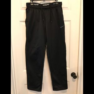 Men's medium Nike athletic pant.
